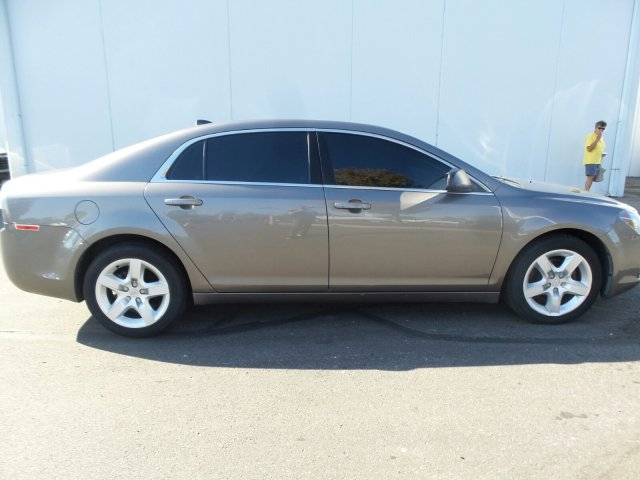 Pre-Owned 2012 Chevrolet Malibu LS with 1FL